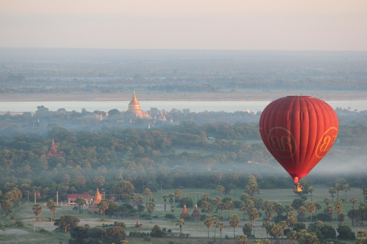 Myanmar_Balloons-over-bagan-Popsicle Society