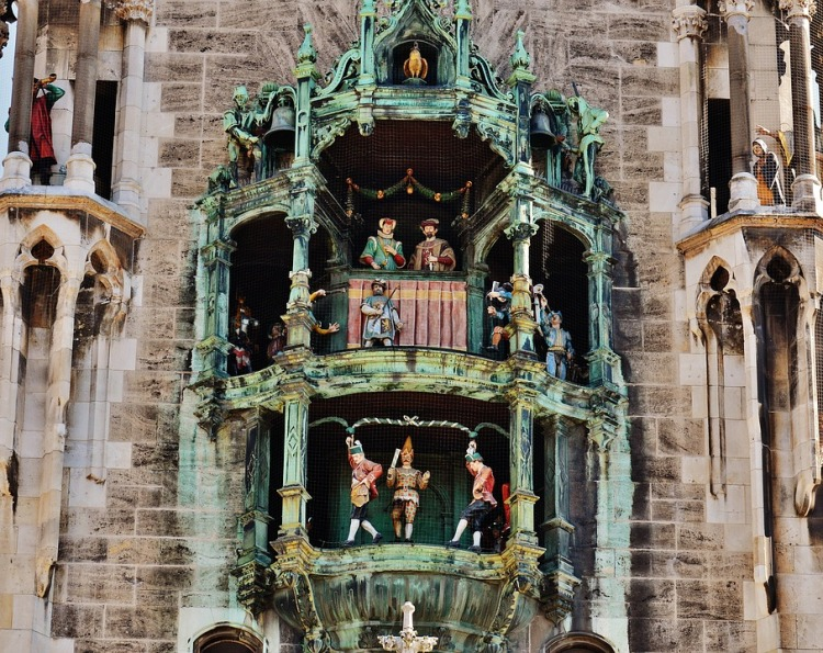 Glockenspiel_Munich_Popsicle Society