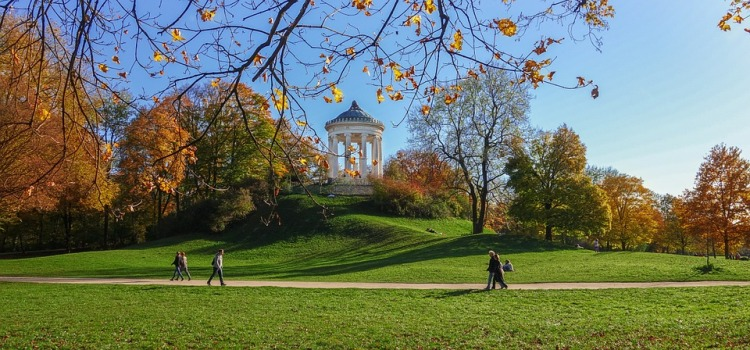 The English garden of Munich_Popsicle Society